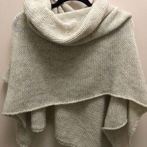 Tops - Italian wool shawl